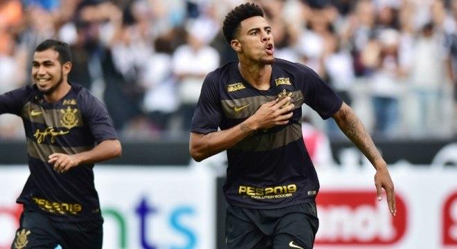 Gustagol fez o gol do Corinthians no empate com o Santos no Itaquerão