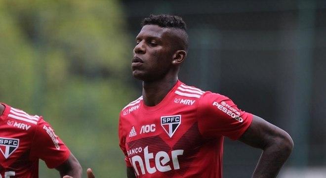 Arboleda foi visto com a camisa do Palmeiras nas férias