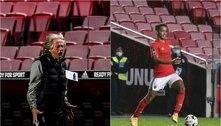 Jorge Jesus se irrita com Pedrinho em jogo do Benfica: 'Está sempre no chão'