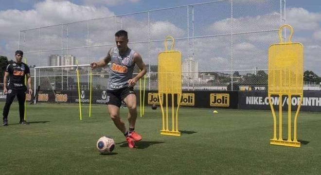 Ramiro segue em transição física no Timão