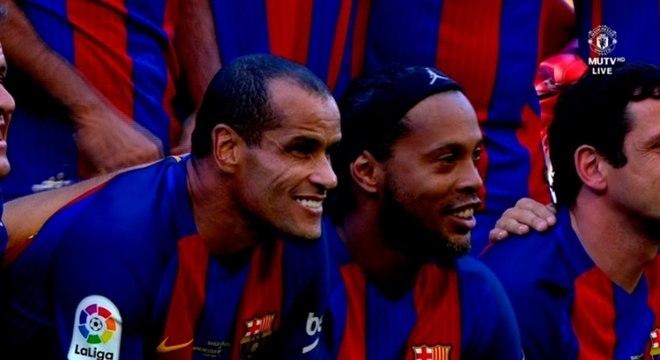 Rivaldo e Ronaldinho costumam atuar juntos pelo time de Masters do Barcelona