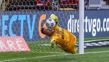 Herói do Flamengo, Diego Alves já defendeu muitos penais na carreira