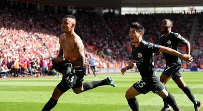 Gabriel Jesus  comemora gol na vitória do Manchester City
