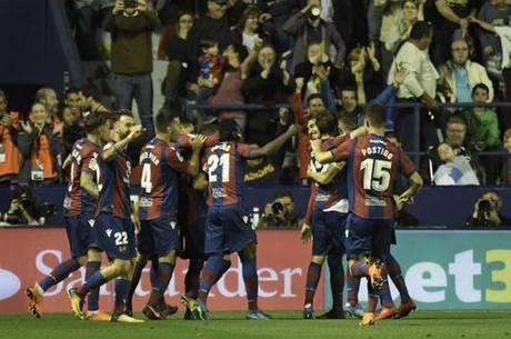 Levante venceu o Barcelona por 5 a 4
