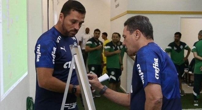 Maurício Copertino conta o que pode das ideias de Luxemburgo no Palmeiras
