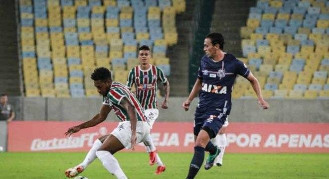 Jogo estava empatado até últimos minutos, mas Fluminense perdeu em casa