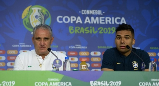 Tite e Casemiro deram entrevistas na véspera do Brasil x Bolívia