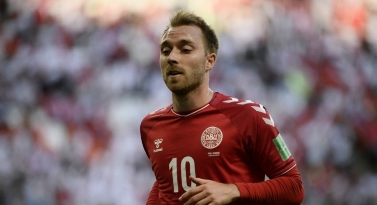 Eriken sofreu um infarto fulminante em jogo válido pela Euro 2020 neste sábado (12), mas sobreviveu