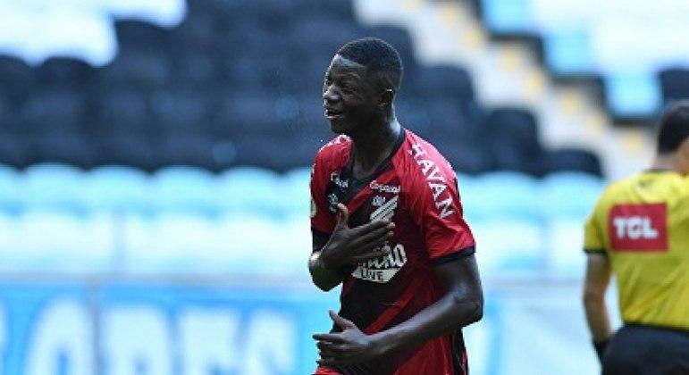 O único gol da partida foi anotado por Matheus Babi