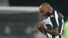 Artilheiro do Botafogo, Chay diz que foi 'escolhido' e afirma: 'Darei a minha vida pelo acesso'