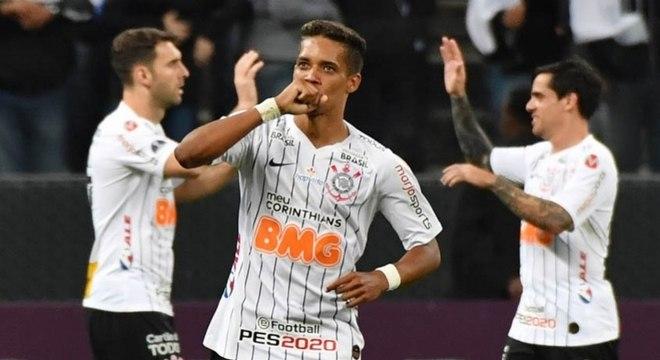 Pedrinho vive sua melhor fase com a camisa do Corinthians