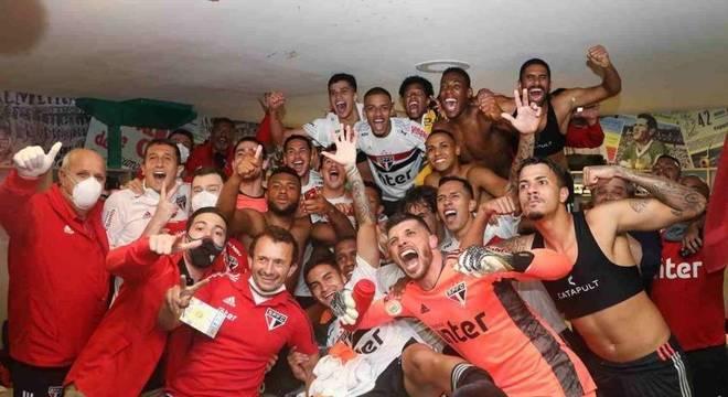 Comemoração após vitória no clássico contra o Palmeiras, no último sábado