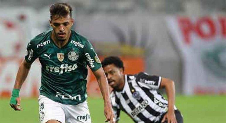 Gabriel Menino torceu o tornozelo durante a partida contra o Bahia nesta terça-feira (12)
