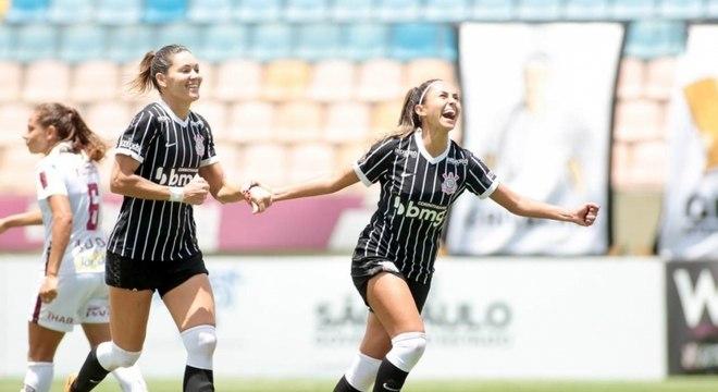 Meninas do Corinthians está perto de ganhar mais um título