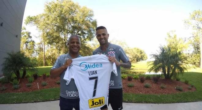 Luan utilizará o número que Marcelinho imortalizou no Corinthians