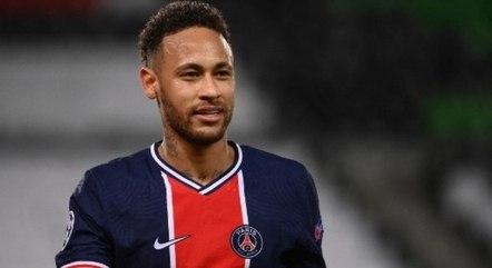 Neymar está satisfeito com permanência no clube