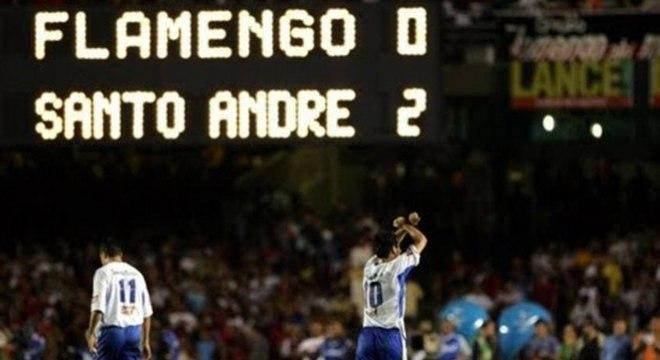Flamengo foi surpreendido pelo Santo André na final da Copa do Brasil 2004