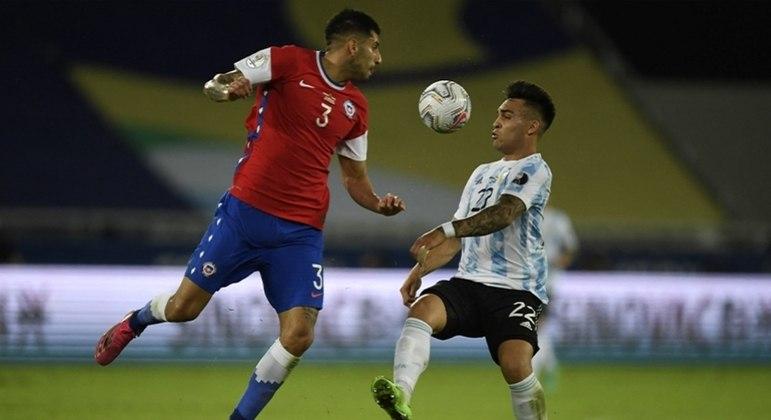 Argentina por pouco não marcou nos momentos finais da partida contra o Chile