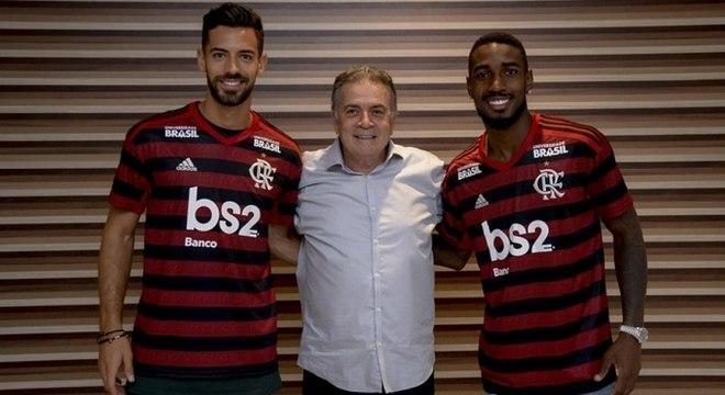 Pablo Marí, Paulo Pelaipe e Gerson: reforços estão no Maracanã neste domingo
