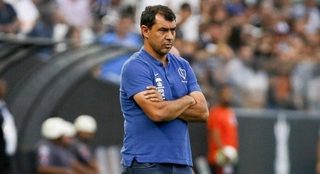 Fábio Carille comandando o Corinthians contra o CSA