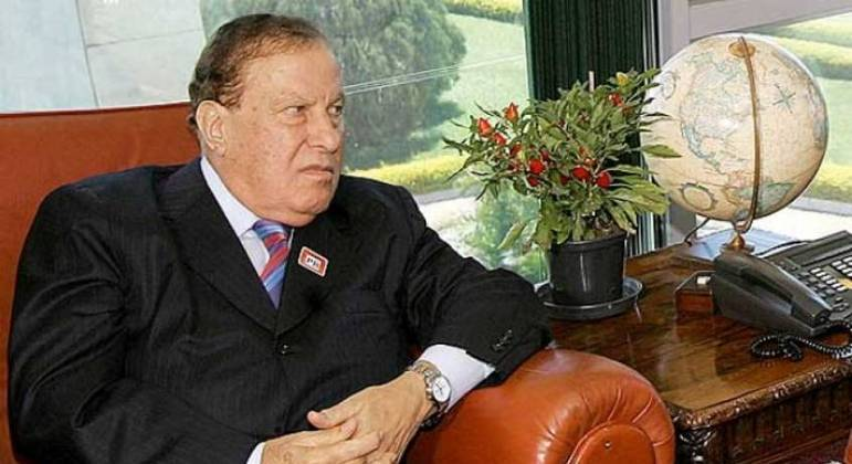 Alberto Dualib, ex-presidente do Corinthians, morreu nesta terça-feira (14)