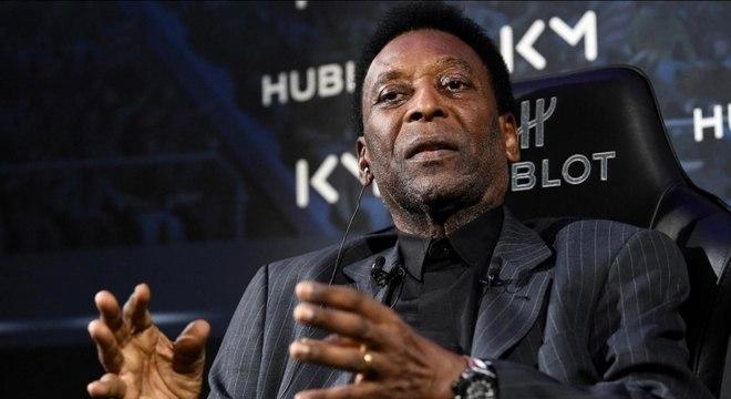 Pelé está sendo processado pela ex-mulher por atraso no pagamento de pensão