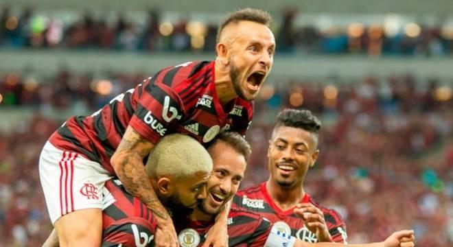 Grandes jogadores, talento e confiança. O líder Flamengo de Jorge Jesus