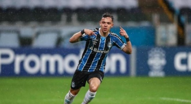 Pepê comandou vitória do Grêmio na noite desta quarta-feira