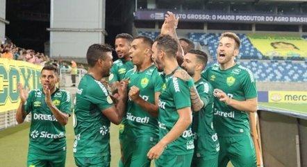 Elton marcou o gol da vitória do Cuiabá
