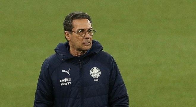 Luxemburgo comandava o Palmeiras quando pegou a covid-19 pela primeira vez