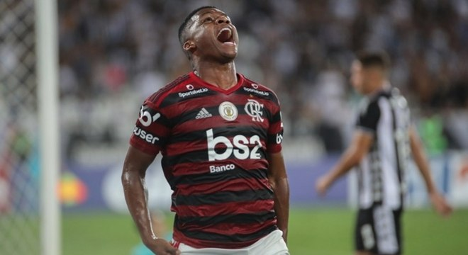 Lincoln não rendeu o esperado no Flamengo e foi vendido para time do Japão