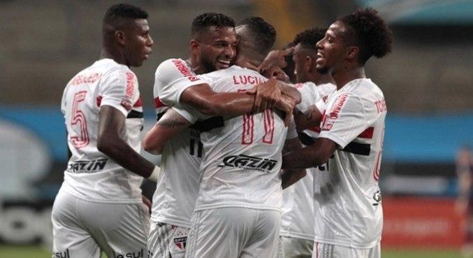Virada contra o Grêmio foi a primeira vitória do São Paulo no ano de 2021