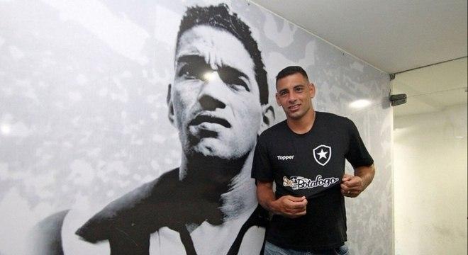 Atleta é um dos reforços do Botafogo para 2019