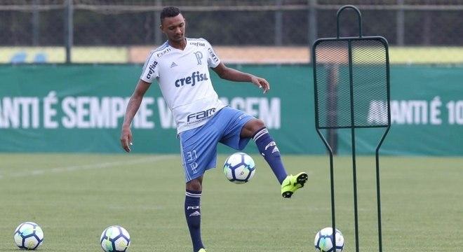 Luan Cândido está deixando o Palmeiras sem ter jogador pelo time profissional