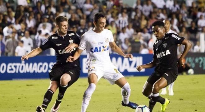 No último encontro, o Santos venceu o Atlético-MG, por 3 a 2, na Vila Belmiro