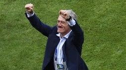 Deschamps, campeão como jogador e técnico, iguala feito de Zagallo e Beckenbauer (SAEED KHAN/AFP)
