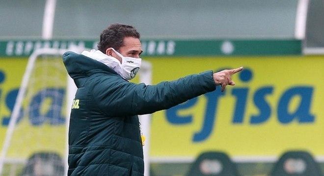 Luxemburgo voltou aos treinos do Palmeiras nesta quarta-feira