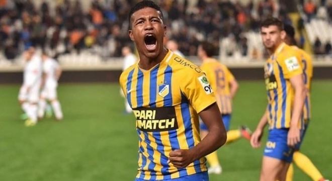 Léo Natel será apresentado pelo Corinthians nesta quinta-feira, de forma virtual