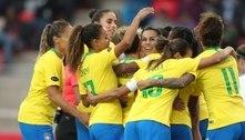 """""""Presas nos anos 80"""": jogadoras da Seleção criam ação para aumentar a visibilidade do futebol feminino"""