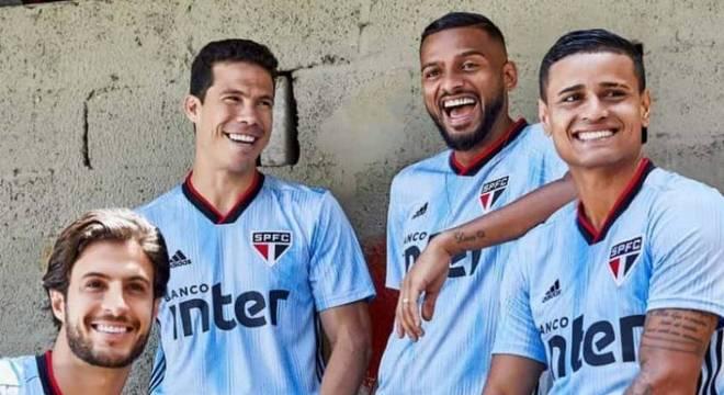 Camisa III do São Paulo faz referência com as cores do Uruguai