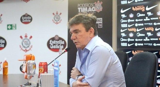 Andrés se esquivou de perguntas sobre nomes para técnico do Corinthians