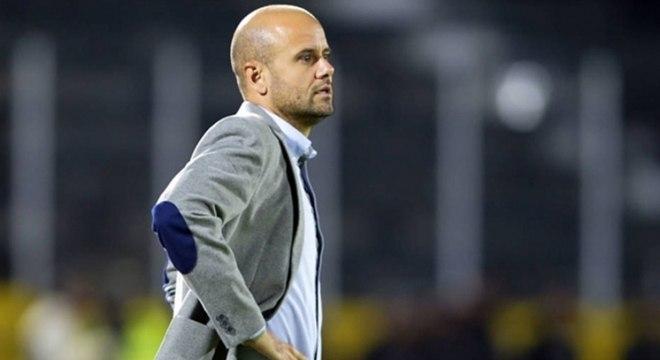 Trabalho do técnico no time equatoriano agrada o presidente do Palmeiras