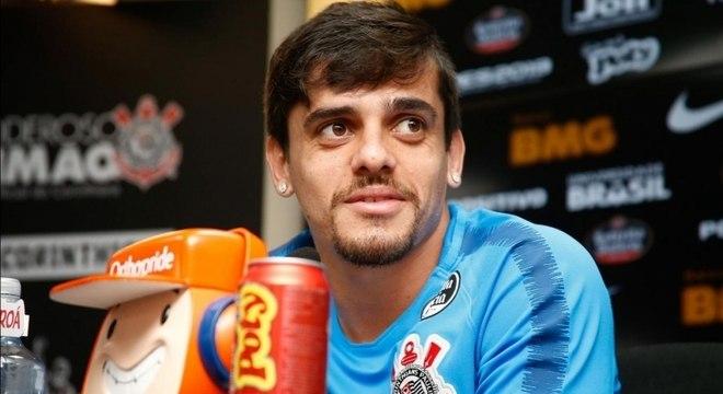 Fagner deve voltar a jogar pelo Corinthians, neste domingo, contra o Inter