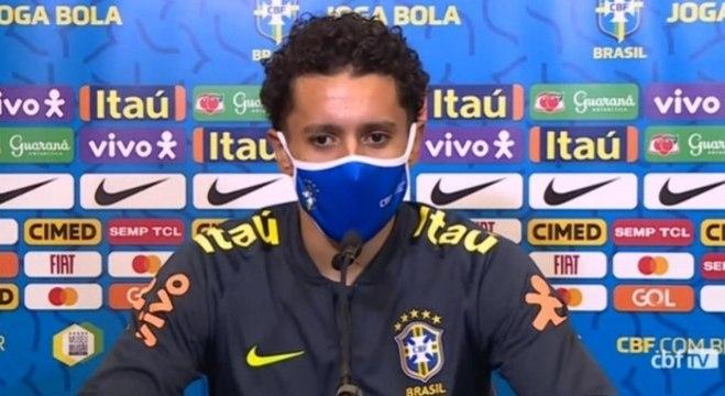 Marquinhos fala da importante de Suaréz e Cavani para equipe uruguaia