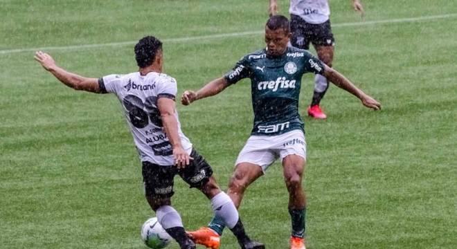 Gabriel Veron vinha sendo titular do Palmeiras nos últimos jogos