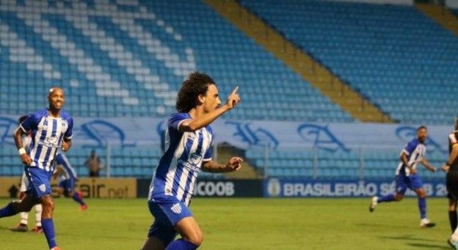 Valdivia testou positivo para covid enquanto estava jogando pelo Avaí