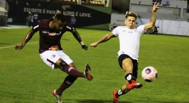 Soteldo jogou bem, mas não conseguiu dar a vitória ao Santos em Araraquara