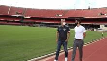 Novo técnico do São Paulo, Crespo faz tour no Morumbi com Kaká