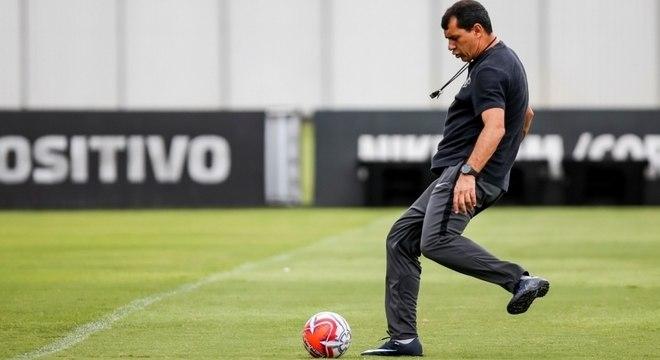 Fábio Carille comandou treinamento fechado à imprensa neste sábado