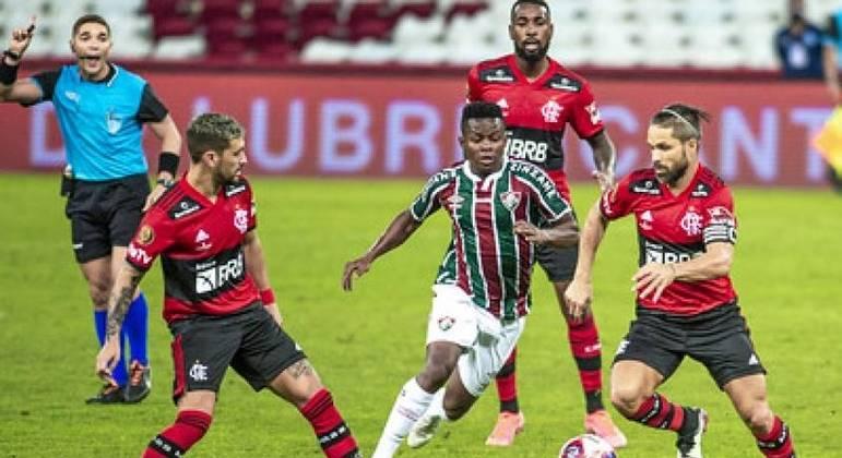 Flamengo e Fluminense empataram o primeiro jogo da decisão em 1 a 1 no Maracanã